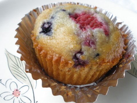 THREE GRAIN MIXED BERRY MUFFINS (12 MUFFINS)